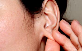 Причины появления фурункула в ухе, методы лечения и профилактики